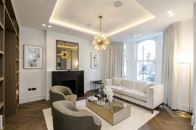 £34,666  per Calendar Month (Calculated), 6 Bedroom Town House To Rent in London, London, W8