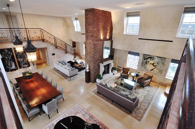 £97,500  per Calendar Month (Calculated), 5 Bedroom Duplex Apartment To Rent in London, W8