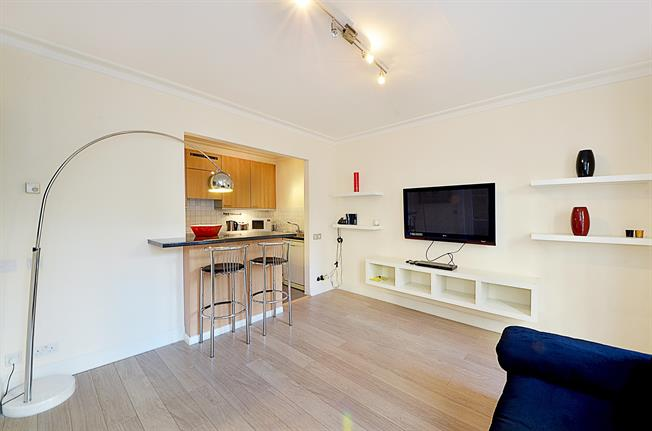 £4,333  per Calendar Month (Calculated), Apartment To Rent in London, W8