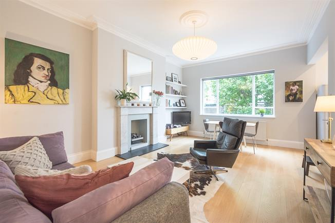 £2,816  per Calendar Month (Calculated), 1 Bedroom Flat To Rent in London, W14