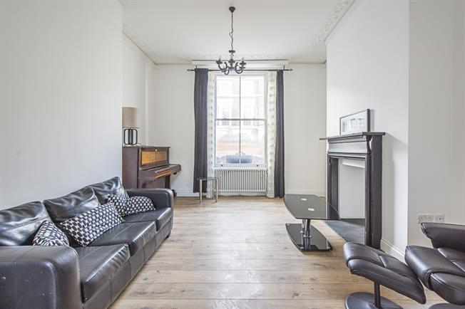 £3,250  per Calendar Month (Calculated), 4 Bedroom Flat To Rent in London, W14