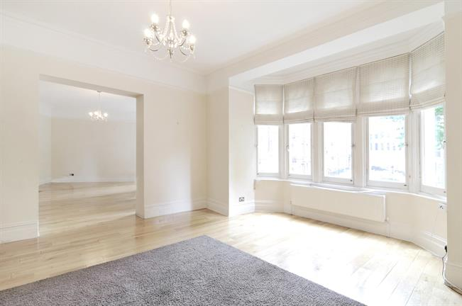 £6,716  per Calendar Month (Calculated), 4 Bedroom Flat To Rent in London, W8