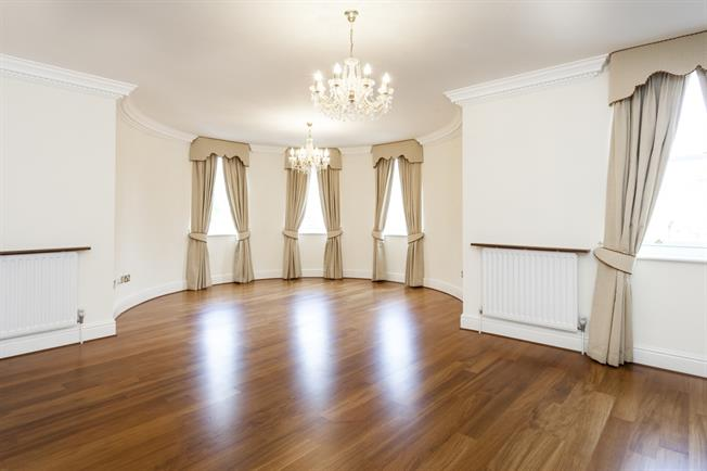 £3,250  per Calendar Month (Calculated), 2 Bedroom Apartment To Rent in London, W11