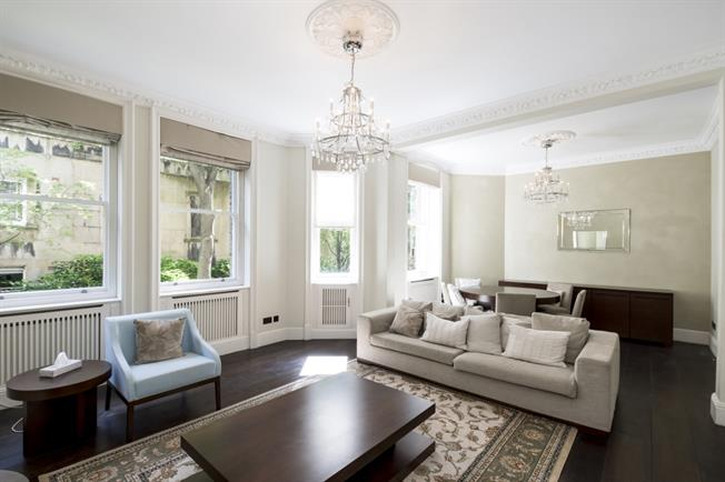 £6,825  per Calendar Month (Calculated), 3 Bedroom Apartment To Rent in London, W8