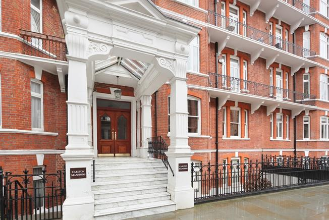 £4,550  per Calendar Month (Calculated), 3 Bedroom Apartment To Rent in London, W14