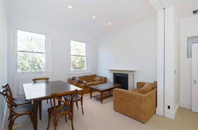 £2,816  per Calendar Month (Calculated), 2 Bedroom Flat To Rent in London, W11