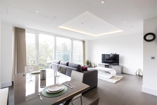 £3,900  per Calendar Month (Calculated), 2 Bedroom Flat To Rent in London, W14