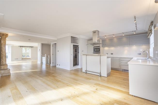 £15,816  per Calendar Month (Calculated), 5 Bedroom Apartment To Rent in London, W8