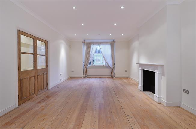 £3,185  per Calendar Month (Calculated), 2 Bedroom Flat To Rent in London, SW7
