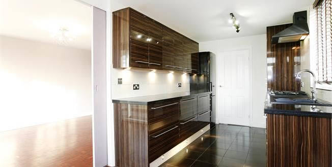 £1,650 per Calendar Month, 2 Bedroom Apartment To Rent in Kingston upon Thames, KT1