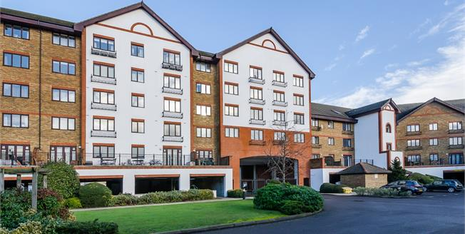 £1,100 per Calendar Month, 1 Bedroom Apartment To Rent in Kingston upon Thames, KT2