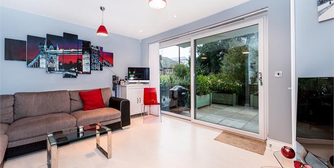 £1,750 per Calendar Month, 2 Bedroom Apartment To Rent in Surbiton, KT6