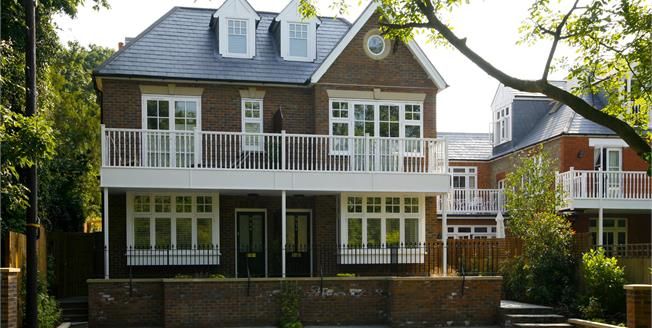 £3,950 per Calendar Month, 4 Bedroom Semi Detached House To Rent in Kingston upon Thames, KT2