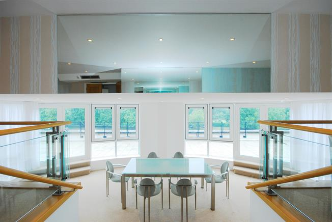 £4,500 per Calendar Month, 3 Bedroom Penthouse To Rent in Kingston Upon Thames, KT1