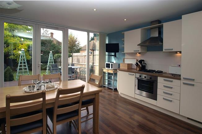 £4,550  per Calendar Month (Calculated), 3 Bedroom Terraced House To Rent in Epsom, KT19