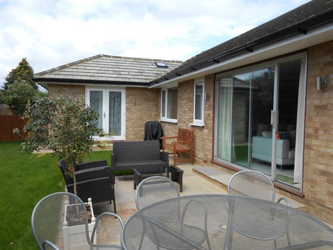 £5,772  per Calendar Month (Calculated), 4 Bedroom Bungalow To Rent in Epsom, KT19