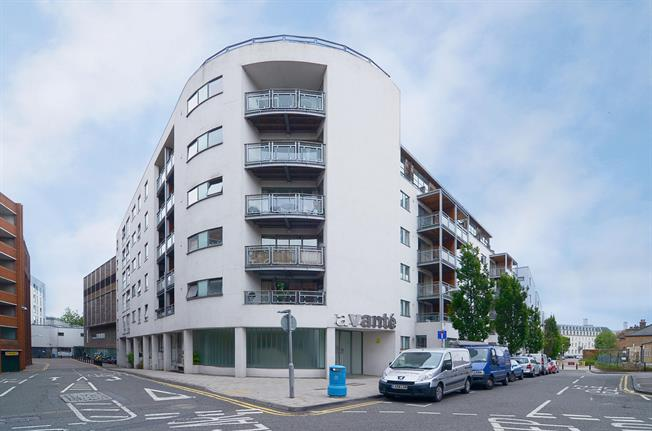 £1,500 per Calendar Month, 2 Bedroom Apartment To Rent in Kingston Upon Thames, KT1