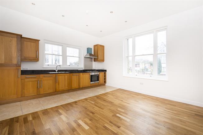 £1,500 per Calendar Month, 2 Bedroom Apartment To Rent in Surbiton, KT5