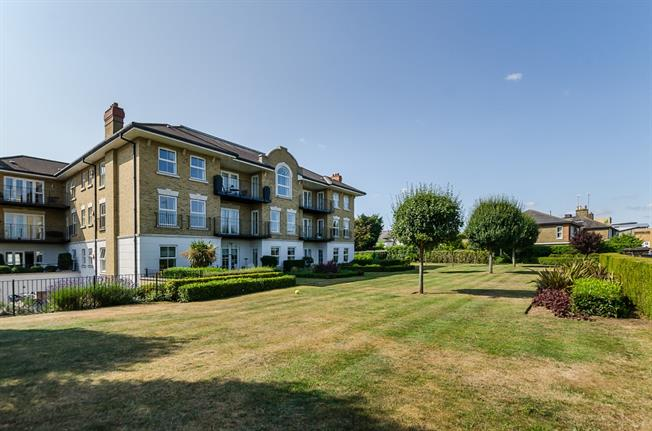 £1,995 per Calendar Month, 2 Bedroom Apartment To Rent in Surbiton, KT6