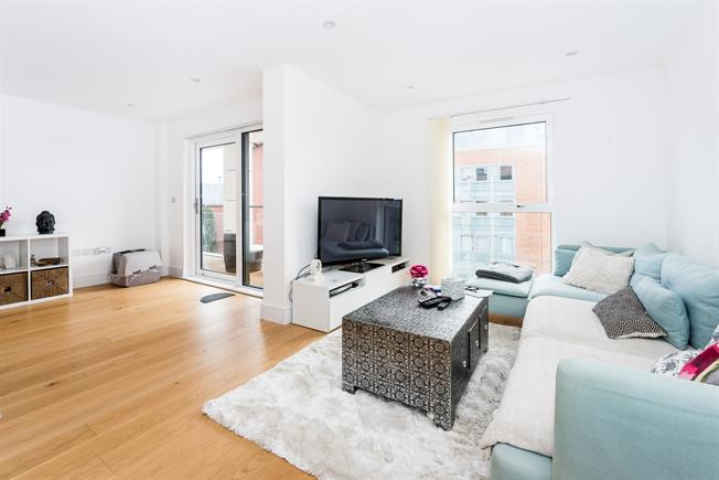 £1,450 per Calendar Month, 1 Bedroom Apartment To Rent in Kingston upon Thames, KT2