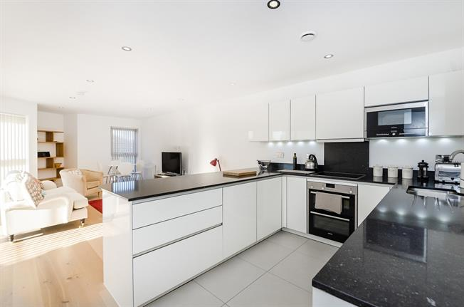 £2,395 per Calendar Month, 2 Bedroom Apartment To Rent in Kingston upon Thames, KT1