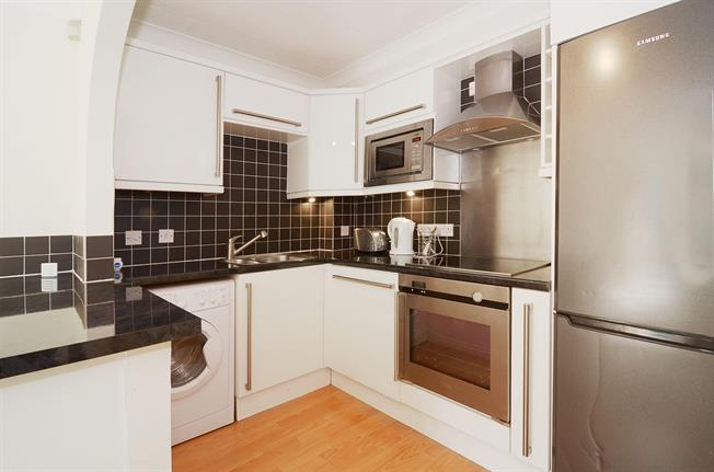£2,170 per Calendar Month, 1 Bedroom Apartment To Rent in Kingston upon Thames, KT2