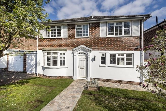 £3,300 per Calendar Month, 4 Bedroom Detached House To Rent in London, KT2