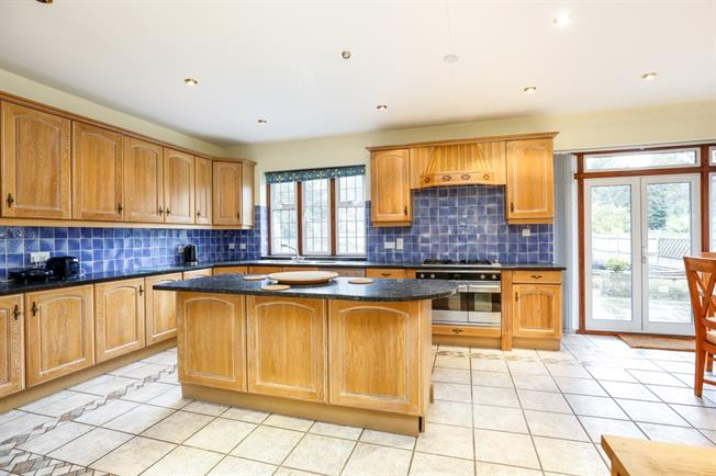 £4,150 per Calendar Month, 5 Bedroom Detached House To Rent in Surbiton, KT6