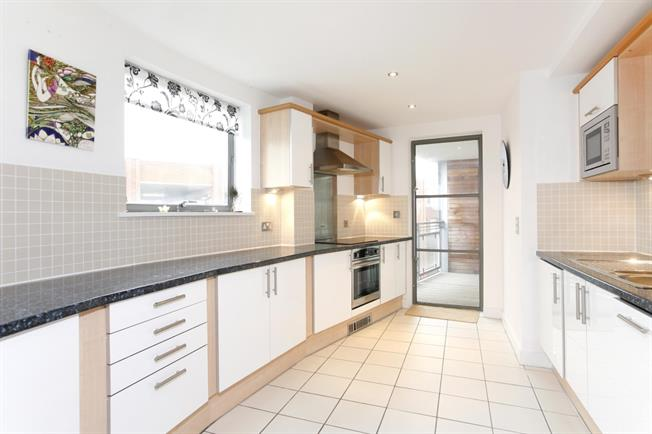 £1,450 per Calendar Month, 1 Bedroom Apartment To Rent in Kingston upon Thames, KT1