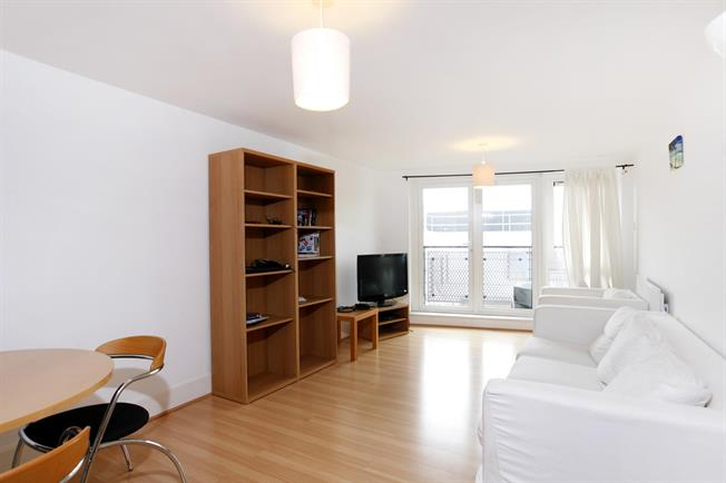 £1,950 per Calendar Month, 2 Bedroom Apartment To Rent in Kingston Upon Thames, KT1