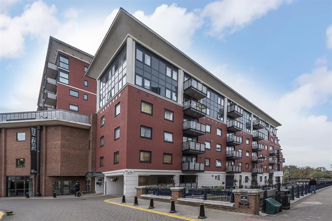 £1,895 per Calendar Month, 2 Bedroom Apartment To Rent in Kingston upon Thames, KT1