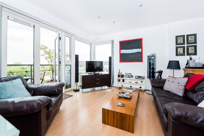 £2,400 per Calendar Month, 2 Bedroom Apartment To Rent in Kingston upon Thames, KT1