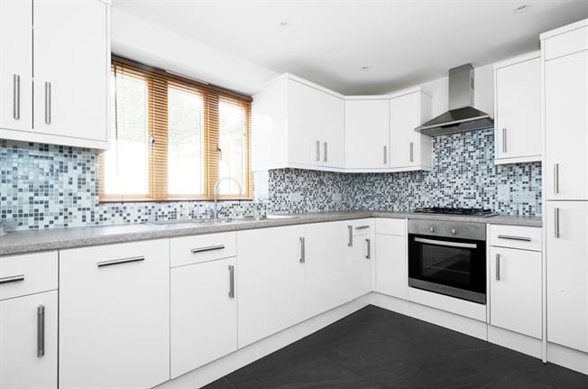 £1,595 per Calendar Month, 2 Bedroom Semi Detached House To Rent in Surbiton, KT6