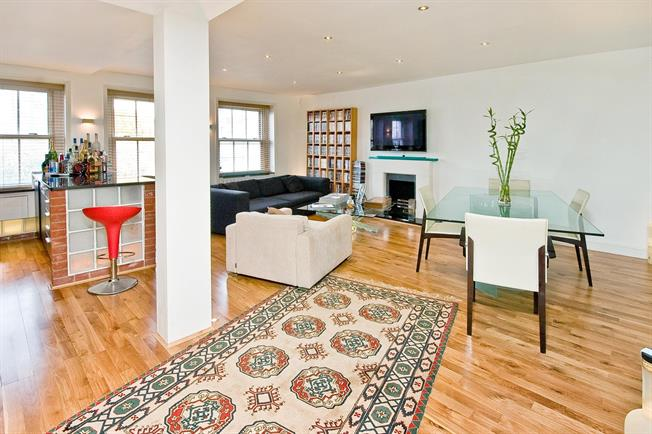 £4,311  per Calendar Month (Calculated), 3 Bedroom Apartment To Rent in London, SW7
