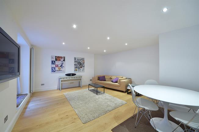 £3,445  per Calendar Month (Calculated), 2 Bedroom Flat To Rent in London, SW3