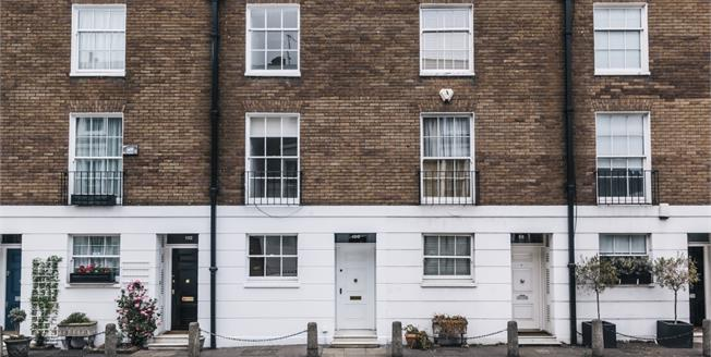 £5,850  per Calendar Month (Calculated), 4 Bedroom House To Rent in London, SW3