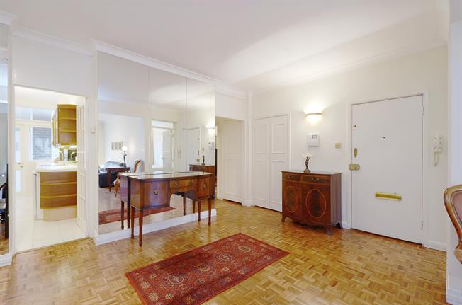 £3,791  per Calendar Month (Calculated), 3 Bedroom Flat To Rent in London, SW7