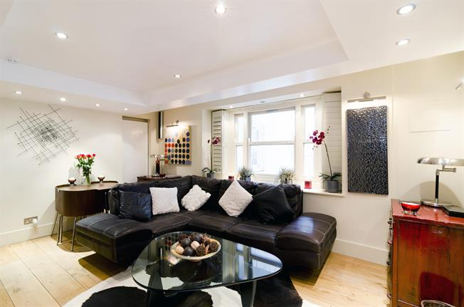 £2,578  per Calendar Month (Calculated), 2 Bedroom Flat To Rent in London, SW7