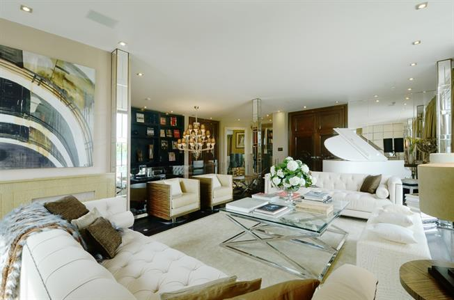 £86,666  per Calendar Month (Calculated), 6 Bedroom Penthouse To Rent in London, SW1X