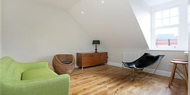£2,600  per Calendar Month (Calculated), 1 Bedroom Apartment To Rent in London, SW3