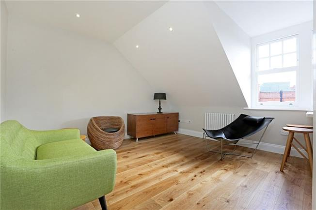 £2,925  per Calendar Month (Calculated), 1 Bedroom Apartment To Rent in London, SW3