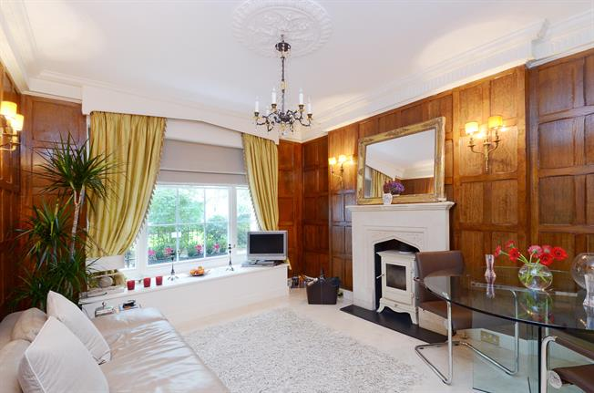 £3,683  per Calendar Month (Calculated), 1 Bedroom Flat To Rent in London, SW3