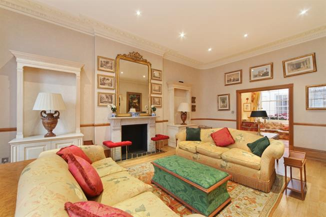 £7,583  per Calendar Month (Calculated), 4 Bedroom Apartment To Rent in London, SW1X