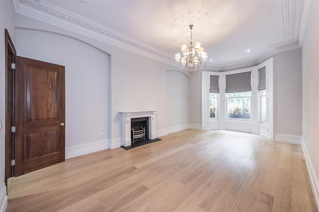 £8,645  per Calendar Month (Calculated), 3 Bedroom Flat To Rent in London, SW7