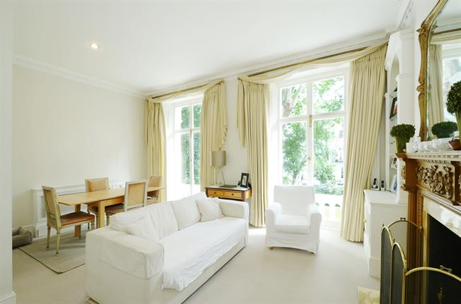 £2,816  per Calendar Month (Calculated), 1 Bedroom Flat To Rent in London, SW3