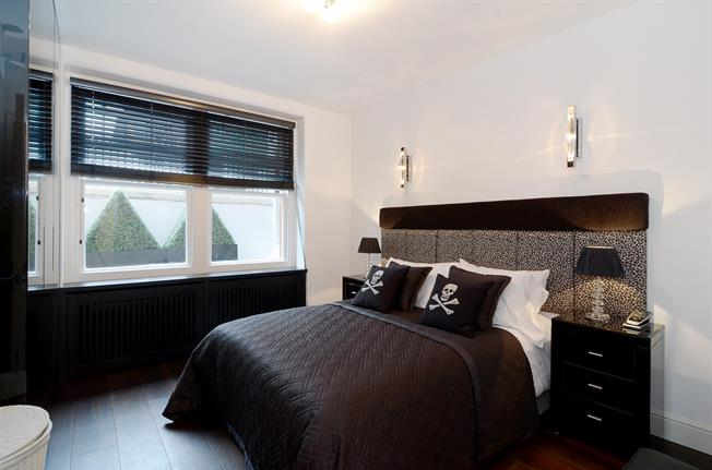 £6,066  per Calendar Month (Calculated), 3 Bedroom Apartment To Rent in London, SW7