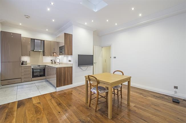 £2,925  per Calendar Month (Calculated), 1 Bedroom Apartment To Rent in London, W1J