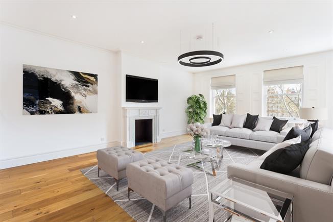 £8,450  per Calendar Month (Calculated), 2 Bedroom Apartment To Rent in London, SW1X