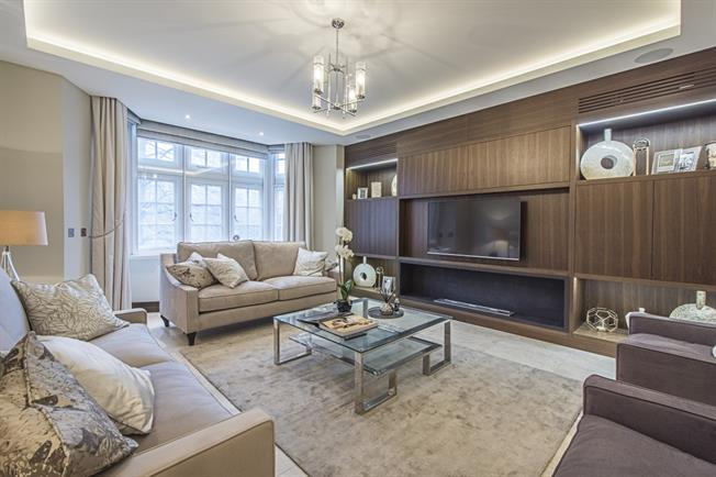 £17,333  per Calendar Month (Calculated), 4 Bedroom Apartment To Rent in London, SW1X