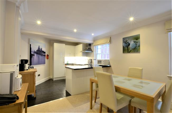 £4,398  per Calendar Month (Calculated), 1 Bedroom Flat To Rent in London, W1J